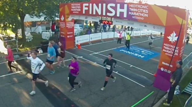 Medtronic Twin Cities 10 mile finish line